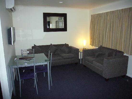 Claremonte Motor Lodge : one bedroom unit