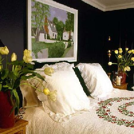 The Wickwood Inn's Swedish Cottage Room