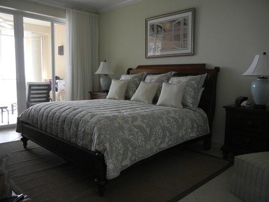 The Renaissance : Master bedroom