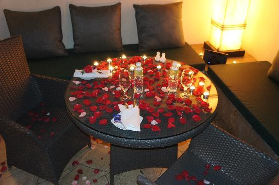 The Villas at Sunway Resort Hotel & Spa: Romantic candle lit dinner