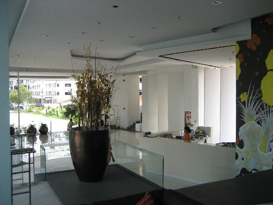 Hotel J Pattaya: lobby
