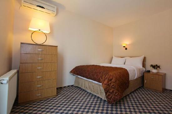 Three Apples Taksim Suites: Bosphorus Suite Bedroom