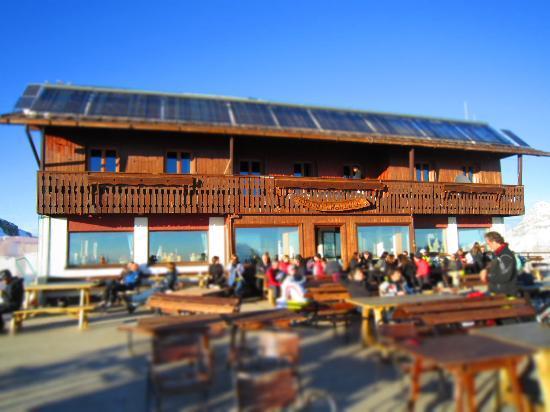 Rifugio Lagazuoi: la terrazza al sole