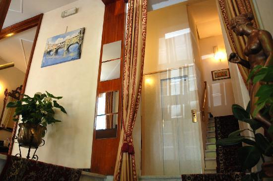 Hotel Bologna : Hall Dell'Hotel