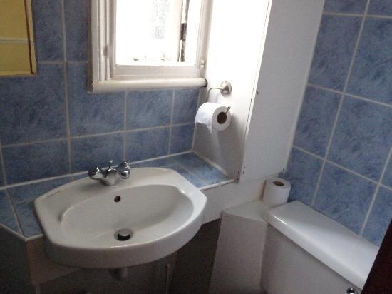 Westminster House Hotel : Bathroom Photo