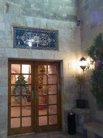 Gloria Hotel: Hotel entrance