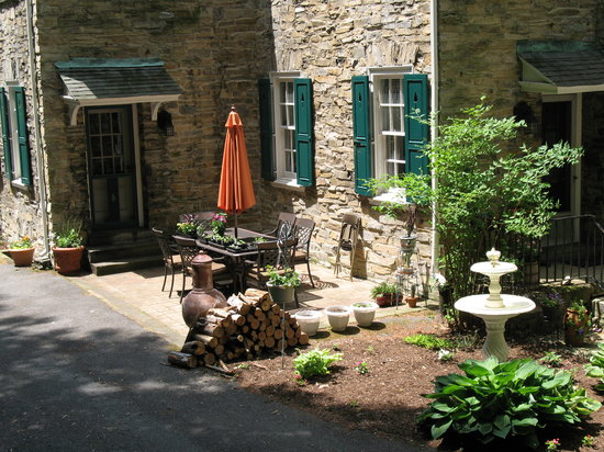 Stony Point Bed & Breakfast: Breakfast Patio