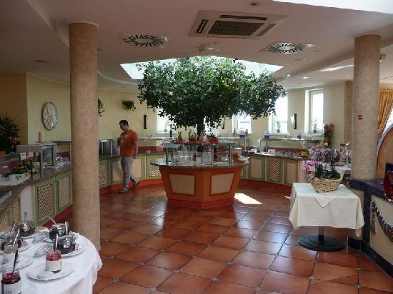 Almesberger: dining room