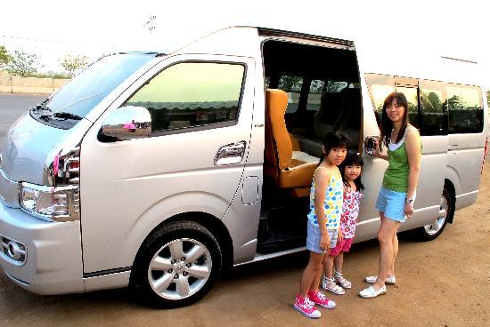 Thailand Attraction Tour: Our comfy aircon van