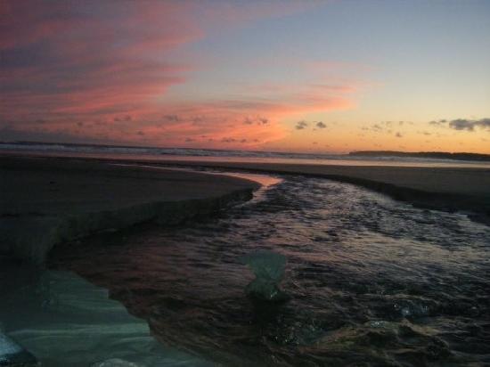 Cutty Sark Motel: Sunset on Long Sands