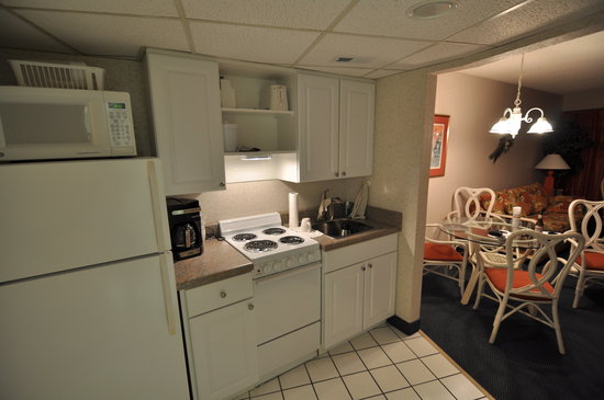 St. Clements Suites: Small but functional Kitchen