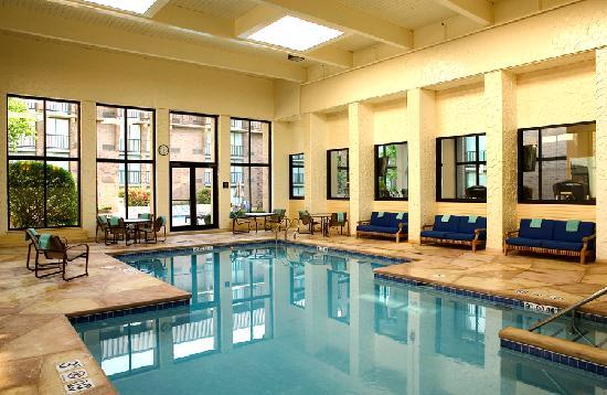 Sheraton Milwaukee Brookfield Hotel: Indoor Pool
