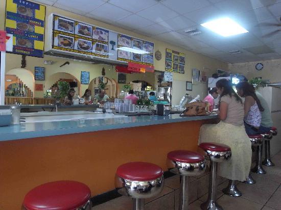 El Coladito Cafeteria : bar