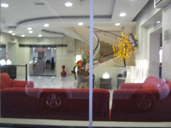 Malibu Hotel: lobby