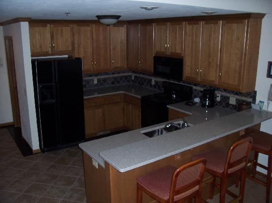 Elkhart Lake, Ουισκόνσιν: Kitchen Suite 444