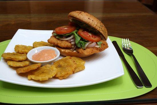 Kiwi's Café restaurante: Ranchero Chicken Burger