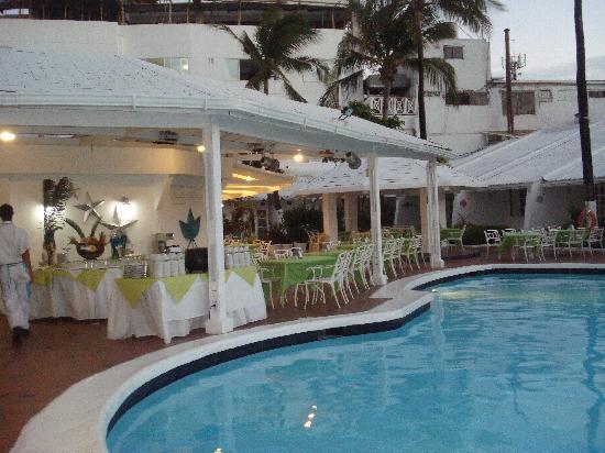 Hotel Casablanca: Piscina legal