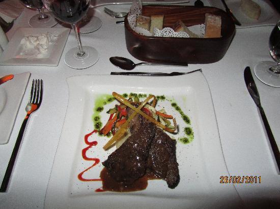 Sandals Montego Bay : Un excellent steak qui se coupe avec un couteau à beurre