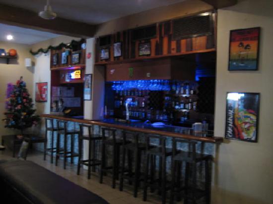 Backpacker's Hostelling Center & Champ's Sports Bar: CHAMP's Bar