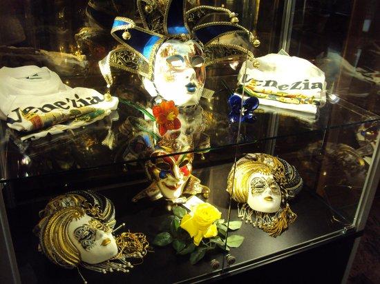 Russott Hotel: 7.-Hotel Russot Venecia:  bellas máscaras