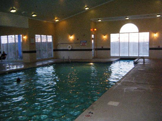 Country Inn & Suites By Carlson, Beckley: Indoor Pool