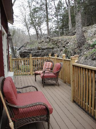 Allseasons Treehouse Village: Back Porch