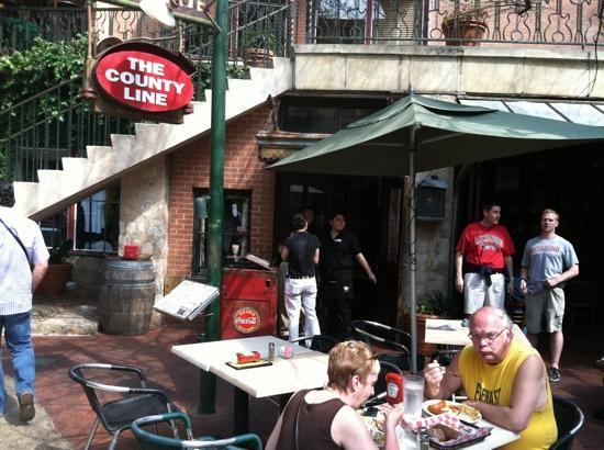 Foto De County Line Barbeque River Walk San Antonio