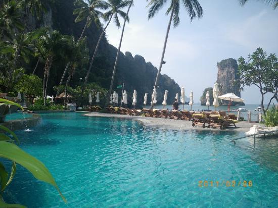 Ao Nang Centara Grand Beach Resort Swimming Pool