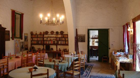 Anthony's Garden House: The dinning room