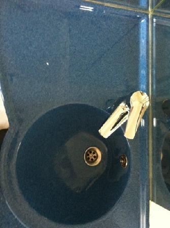 Ibis Budget Lyon Gerland : coin lavabo