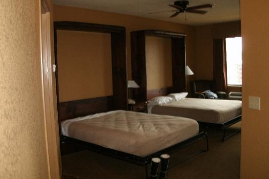 Murphy beds direct kodak tn : Two murphy beds picture of wilderness at the smokies