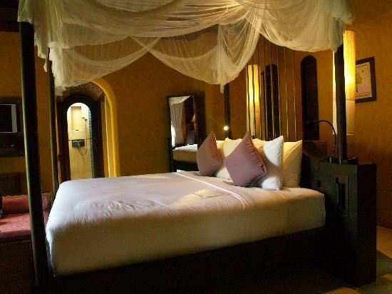 Paradee Resort & Spa Hotel: Bedroom