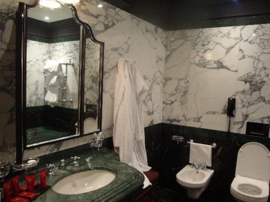 il bagno - Picture of Hotel Danieli, A Luxury Collection Hotel ...