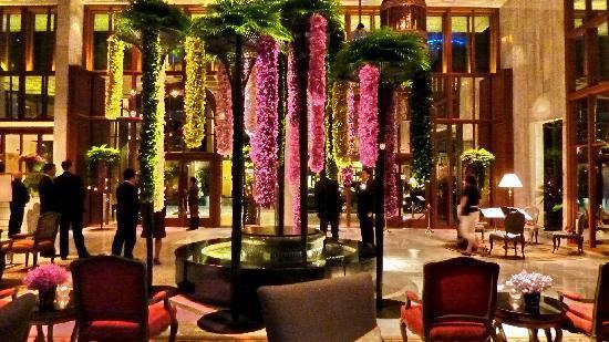 Mandarin Oriental, Bangkok: LOBBY MARS 2011