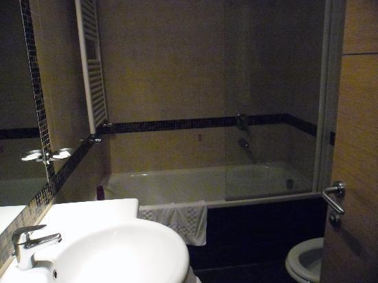 Hotel Galatea: shower