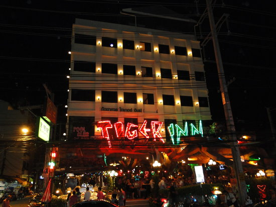 Tiger Inn Hotel: The facade