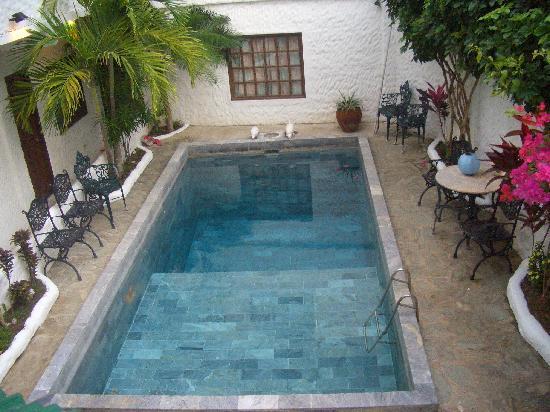Scandi Divers: Swimming Pool