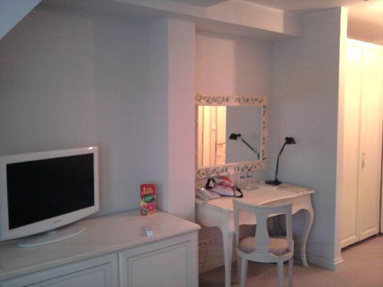 Dwor Oliwski Hotel: Zimmer