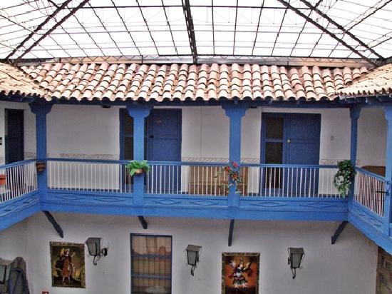 Hostal Inti Wasi - Plaza de Armas: view inside lobby