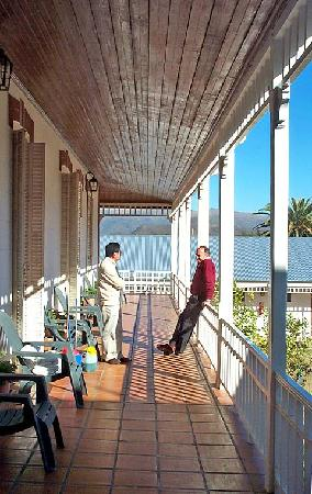 Hostal Hispania: hispania hotel veranda