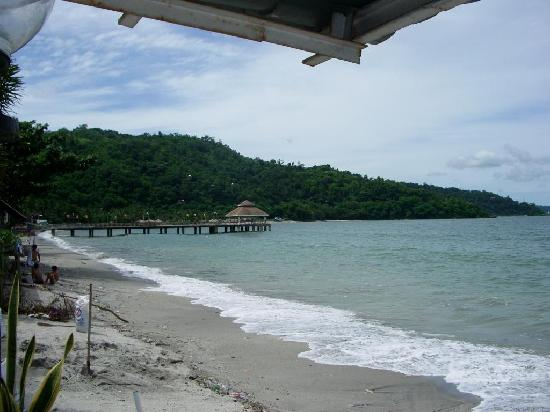 Olongapo, Philippines : Beach view from Arizona Hotel