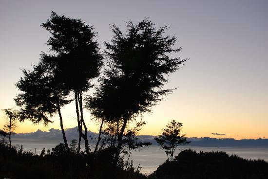 Split Apple Lodge - Boutique Ecotel & Spa: Sun rise from the massive deck