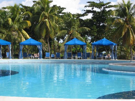 Laguna Mar: South tower pool
