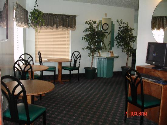 Americas Best Value Inn & Suites : LOBBY