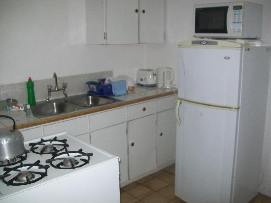 Gem Holiday Beach Resort: Kitchen has everything you need