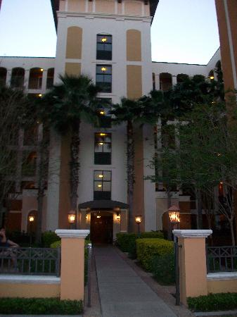 Floridays Resort: Outside our building