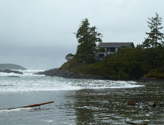 Wickaninnish Inn and The Pointe Restaurant: The Wick from the beach