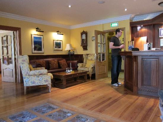 Friar's Lodge: Reception area ....