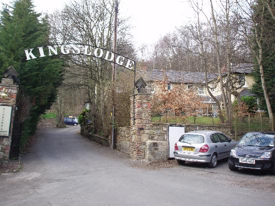 The Kingslodge Inn: Entrance to hotel