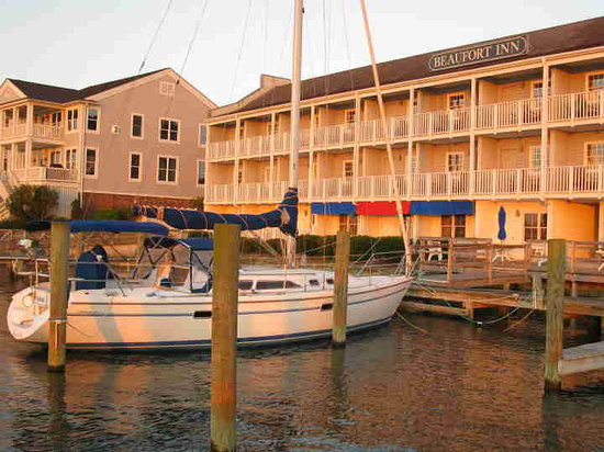 Beaufort Inn: harbor view
